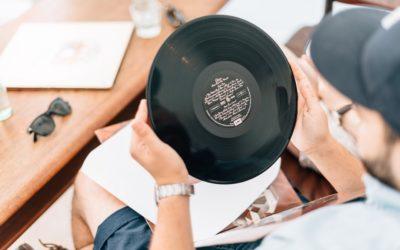 Schallplatten im Vergleich zu CDs und USB-Sticks